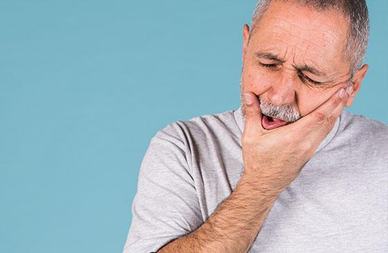 trauma no dente causado por queda